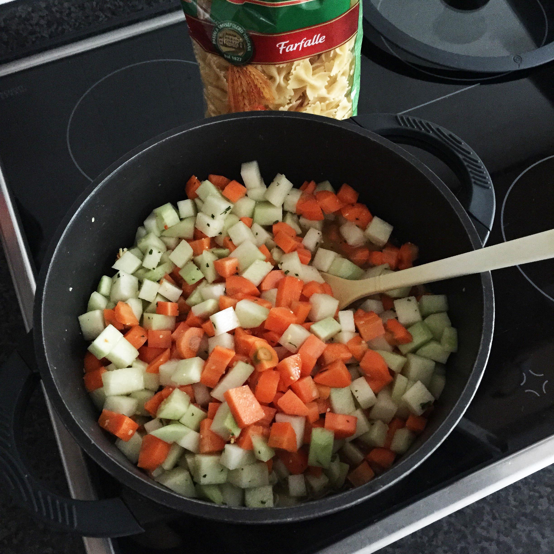 Gemüse Nudel Topf