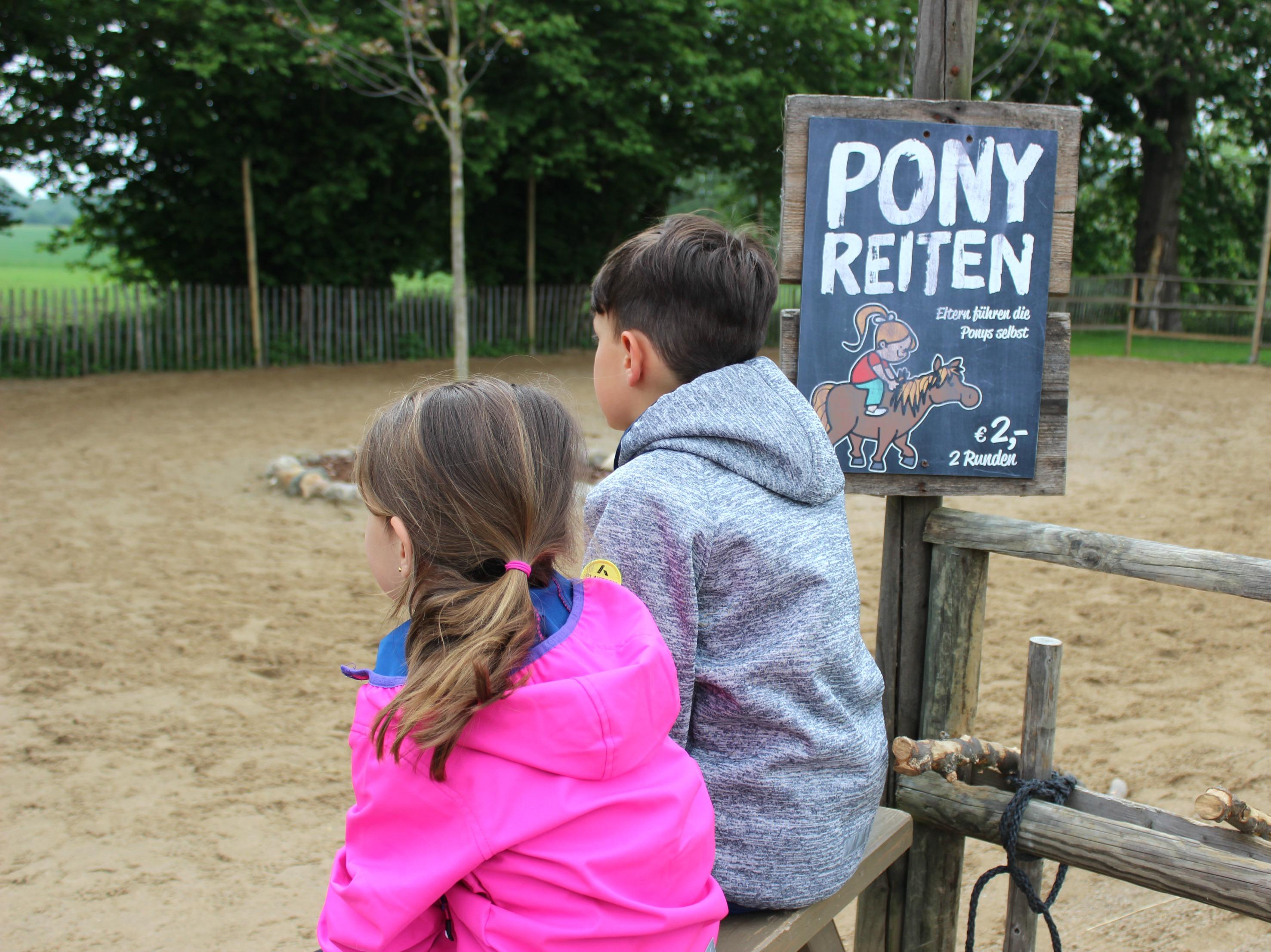 Ponyreiten Karls