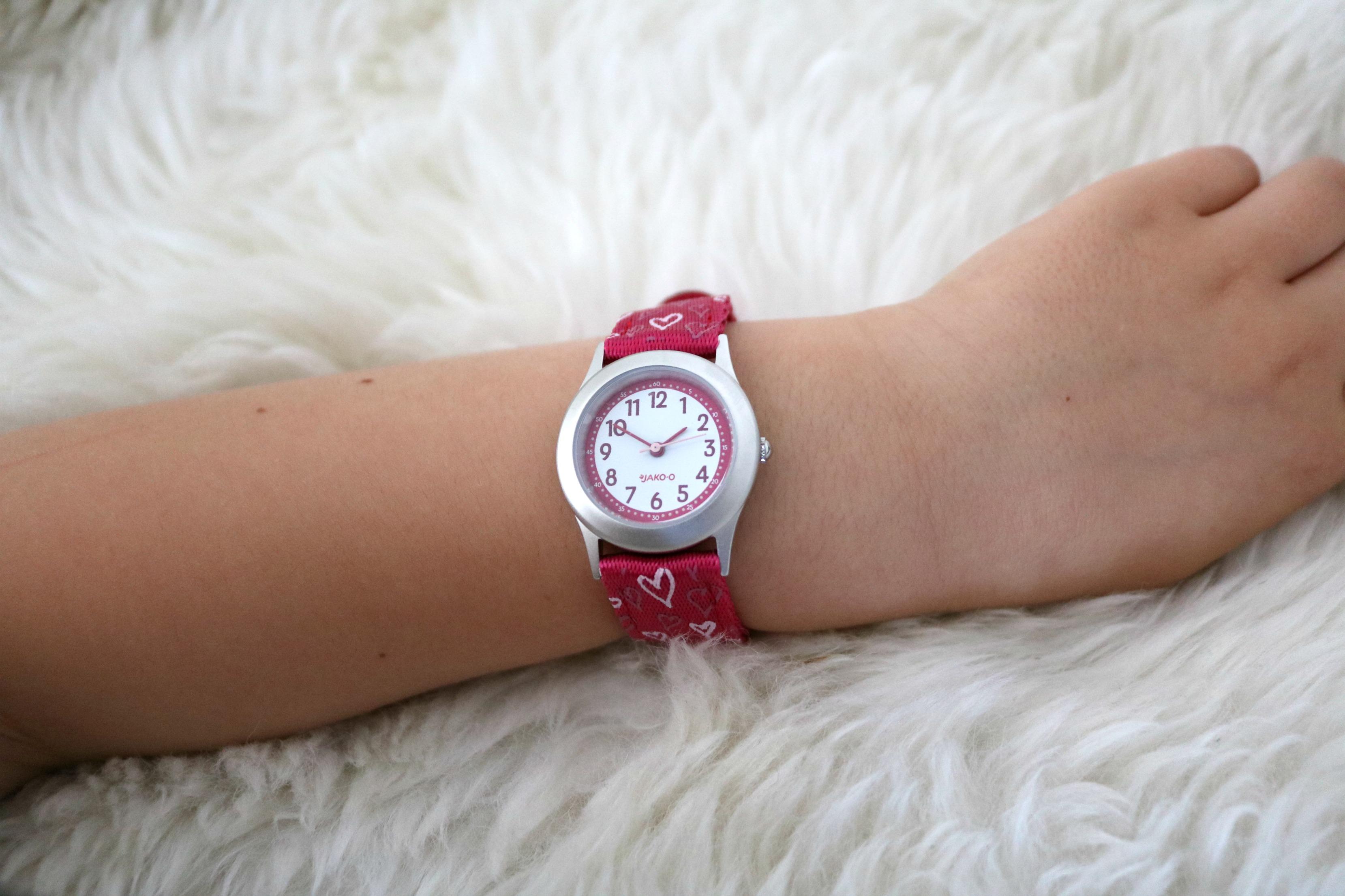 Armbanduhr am arm  LifestyleMommy: Kids - die Uhr lesen lernen, Tipps und Tricks