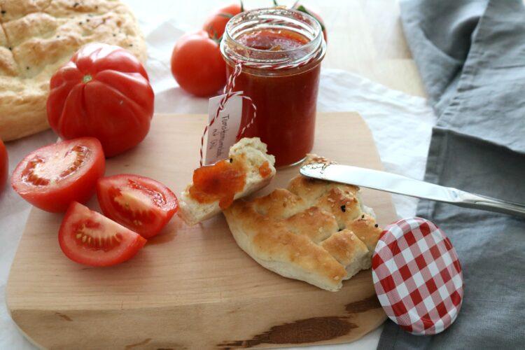 (Deutsch) Food – so himmlisch gut / Fladen mit Tomate-Chili-Marmelade