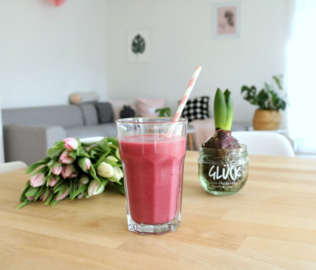 lifestylemommy top 3 smoothies f r kinder smoothierezepte. Black Bedroom Furniture Sets. Home Design Ideas