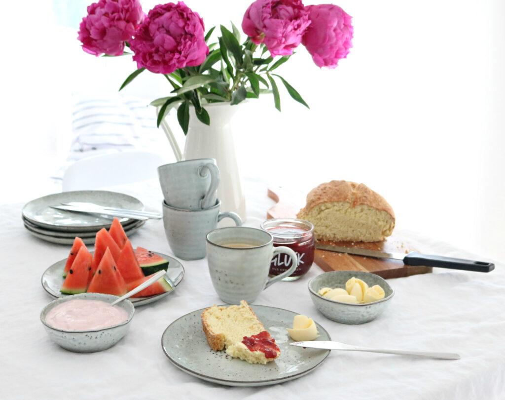 food leckeres joghurtbrot selbstgemacht das perfekte fr hst ck lifestylemommy. Black Bedroom Furniture Sets. Home Design Ideas