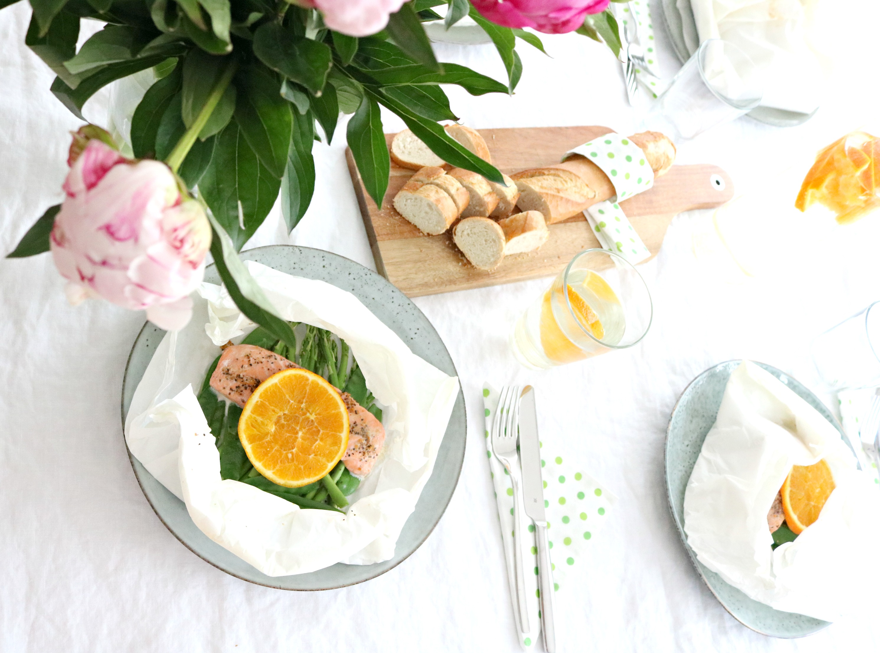lifestylemommy food lachs mit spargel in pergament familienk che. Black Bedroom Furniture Sets. Home Design Ideas