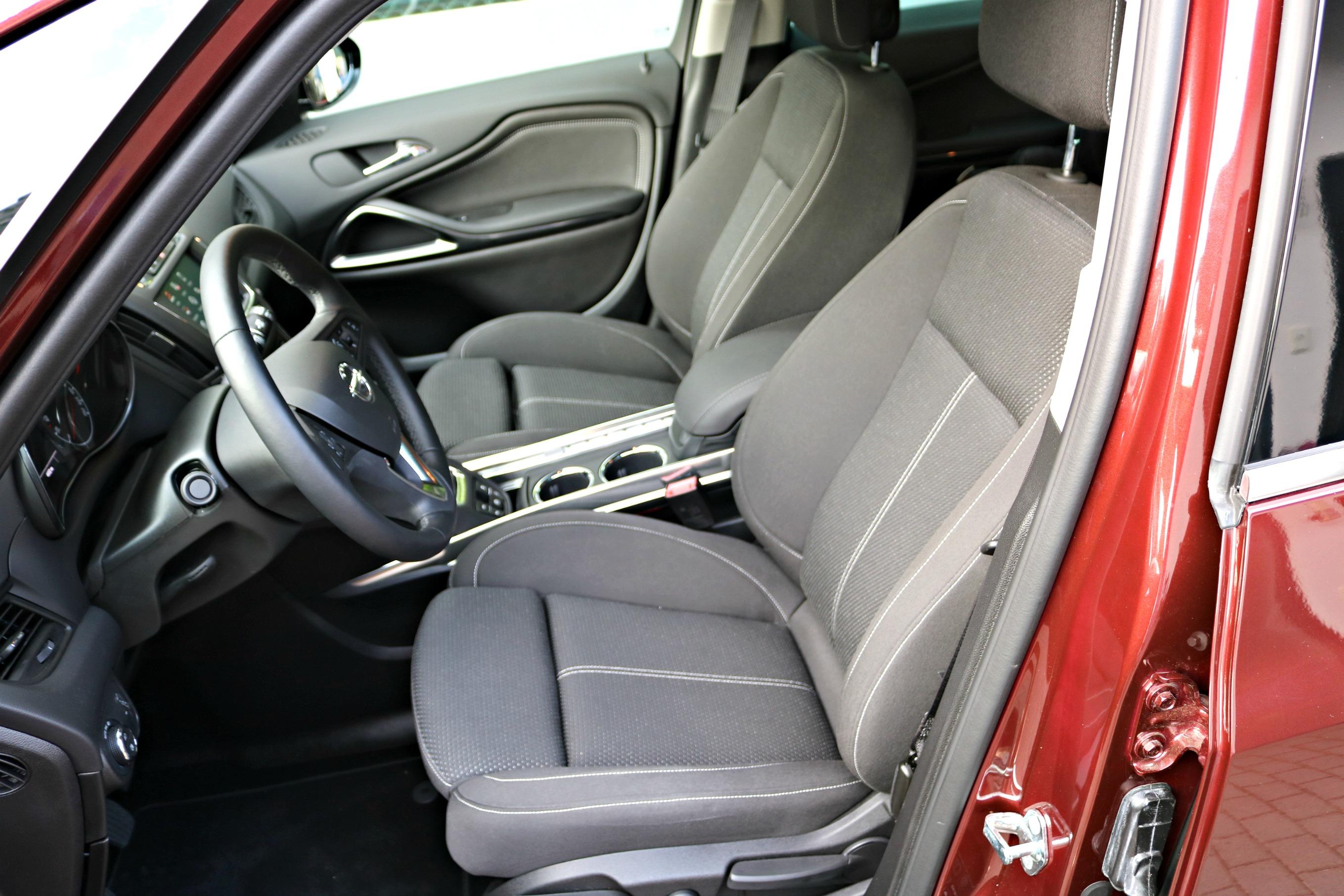Opel_Zafira_AGR-Sitze