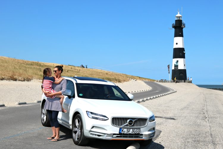 (Deutsch) Familie – nach Holland mit dem Volvo V90 Cross Country