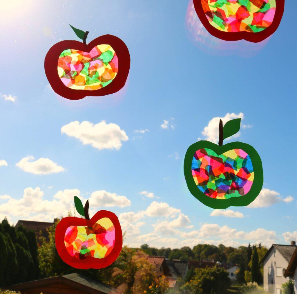 Lifestylemommy Diy Kids Basteln Im Herbst Apfelfensterbild