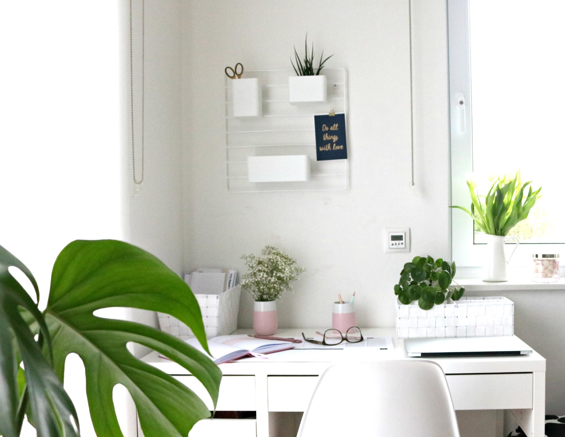 Interior - kleine Organisationshelfer am Arbeitsplatz ...