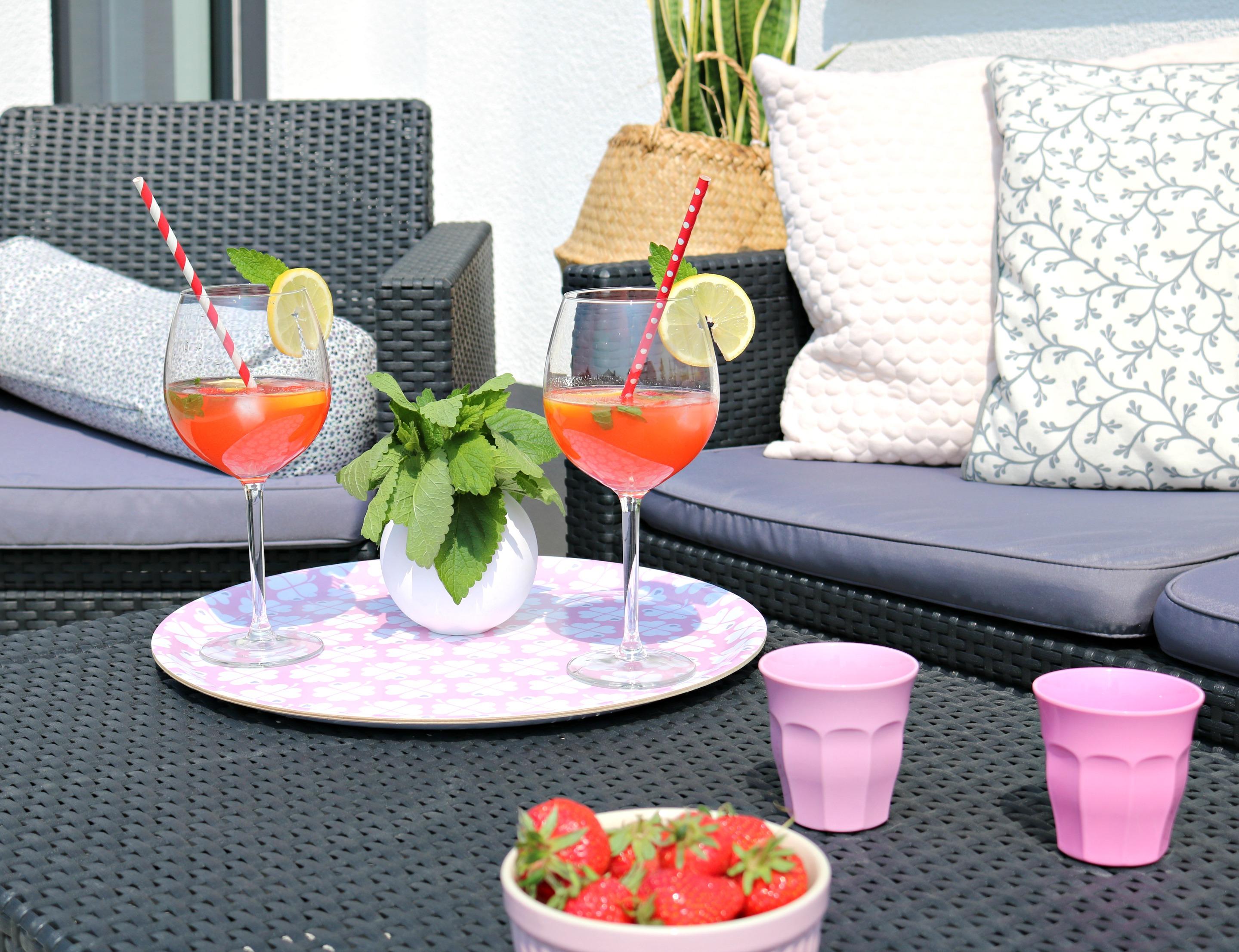 Erdbeer-Minz-Zitronenwasser DIY