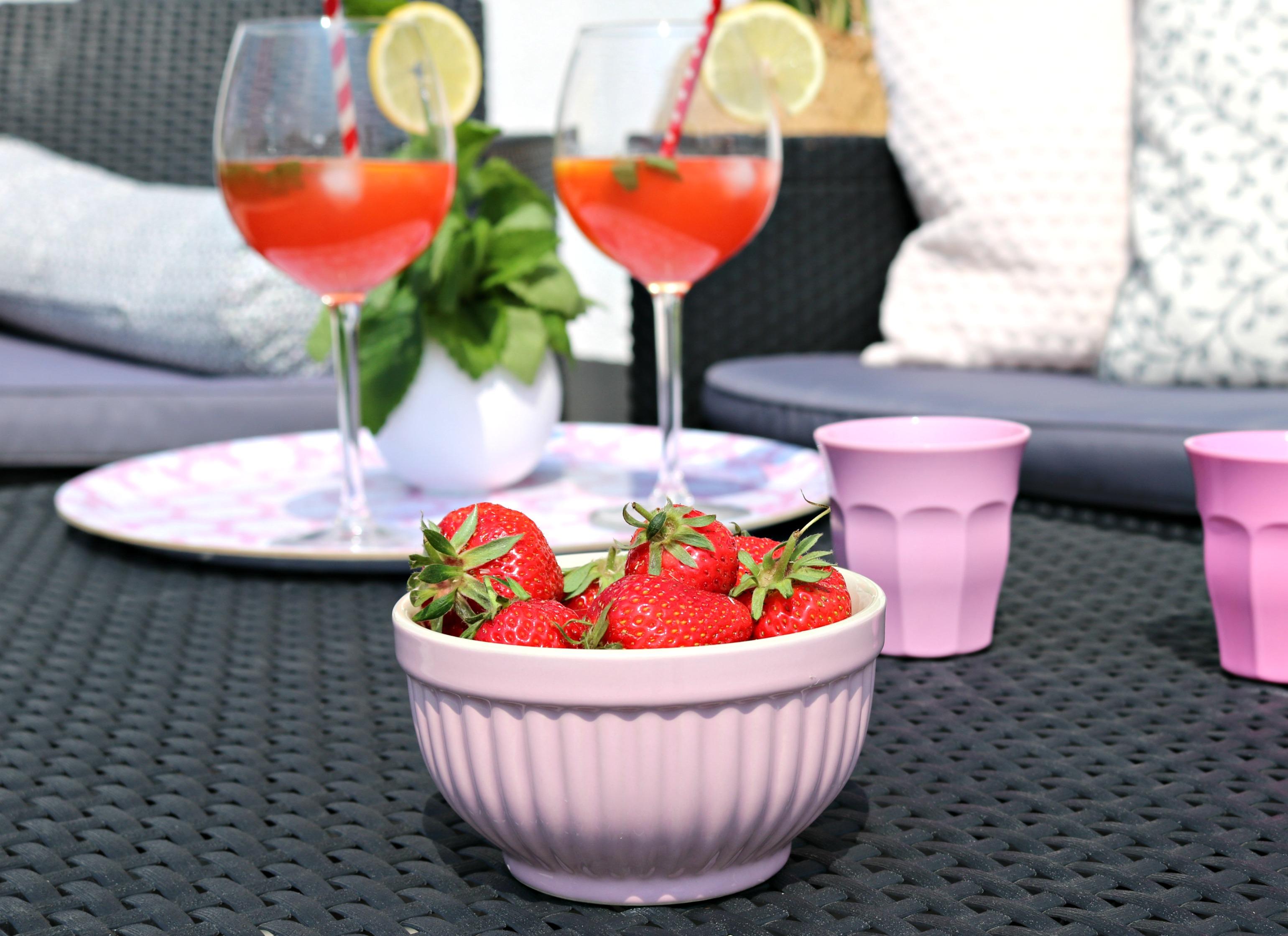 Erdbeer-Minz-Zitronenwasser Rezept